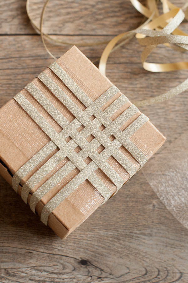 35 unique christmas gift wrapping ideas diy holiday gift wrap negle Images