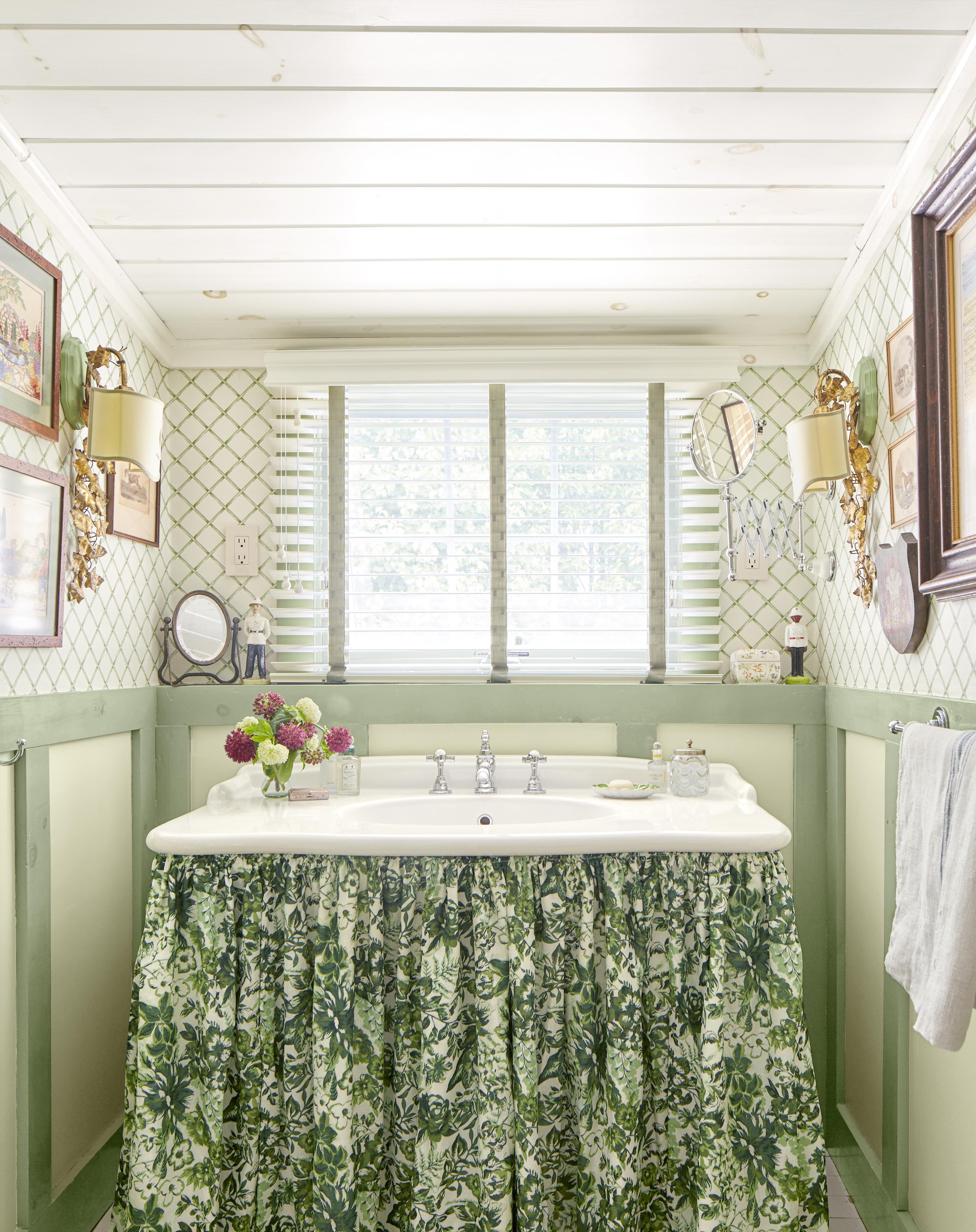 12 Best Bathroom Paint Colors