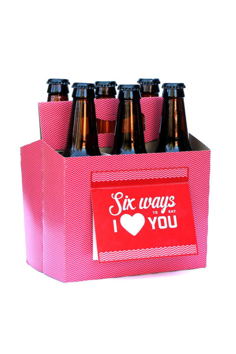 Fesselnd Six Pack Greeting Card