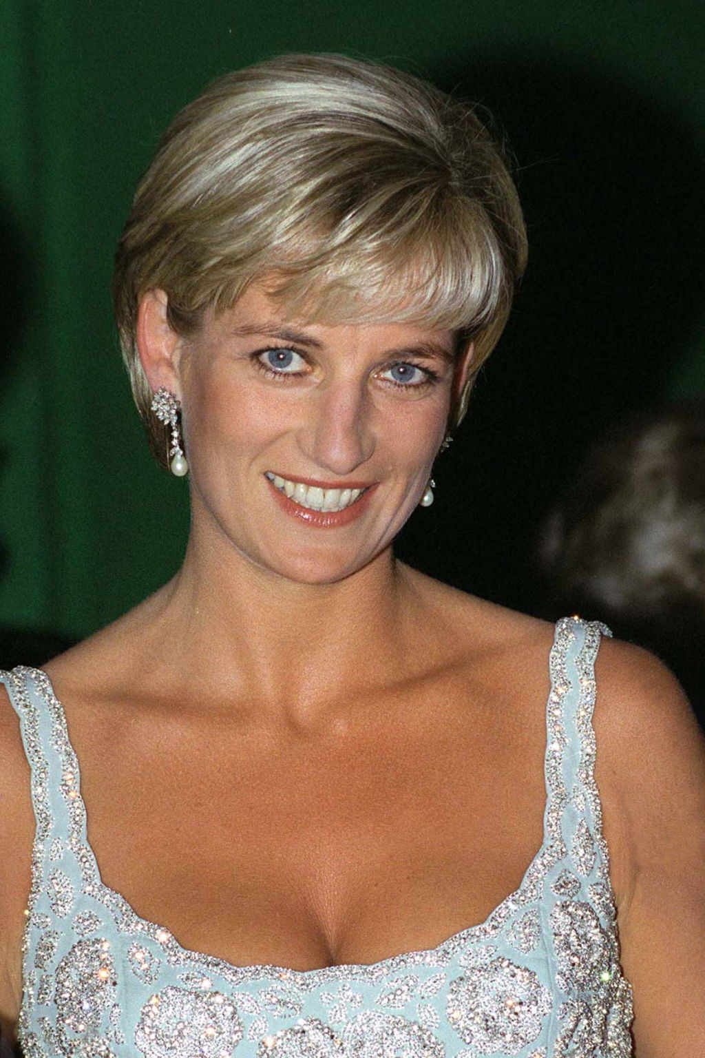 Cool 25 Beauty Secrets From Princess Diana The Royals Best Makeup Hairstyles For Men Maxibearus