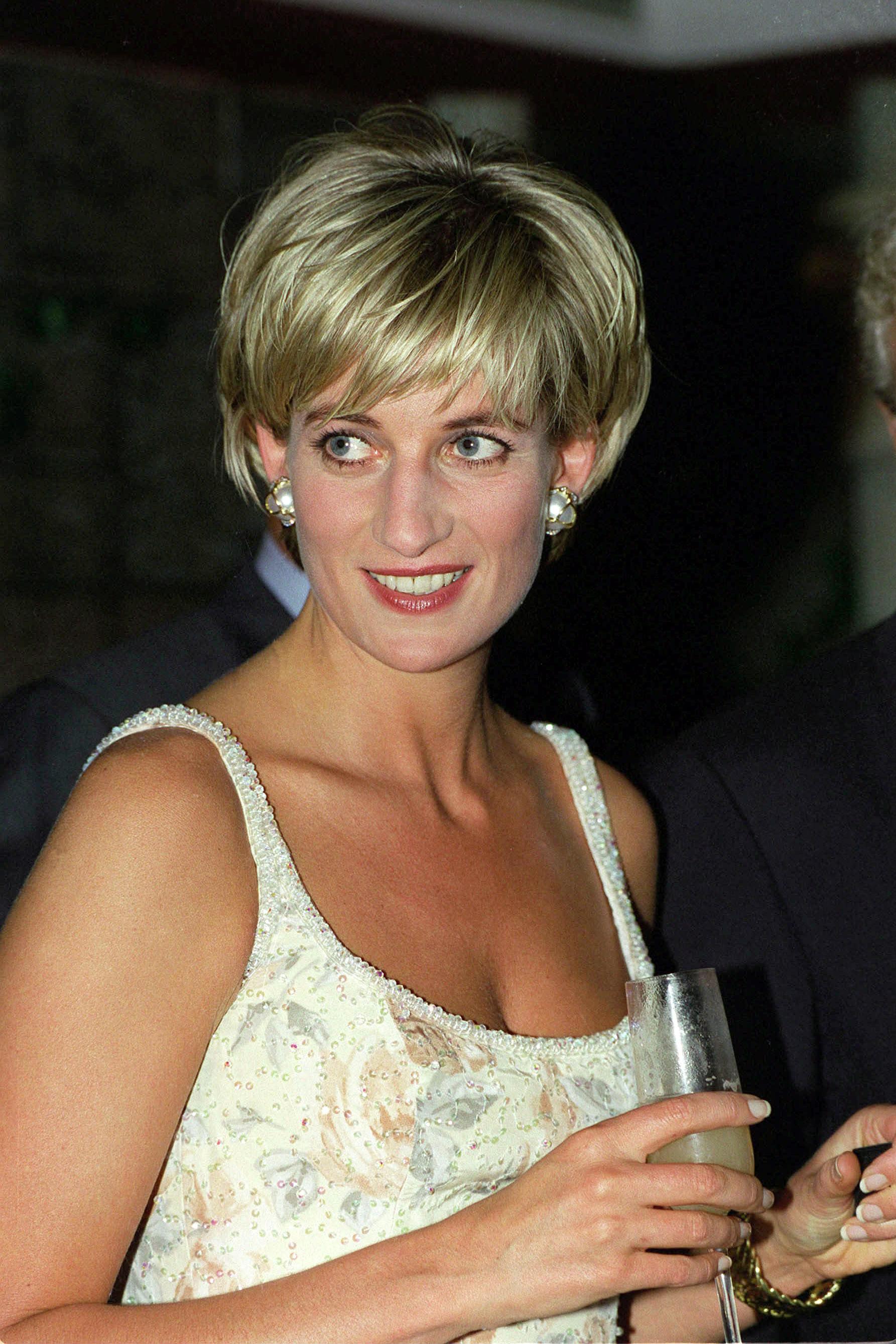 25 Beauty Secrets From Princess Diana - The Royal's Best Makeup ...