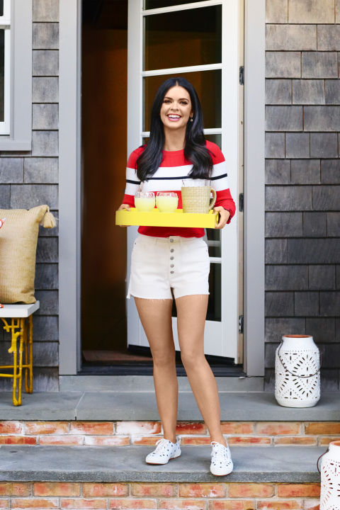 Celebrity Chef Katie Lee Has Summers Best Style And Entertaining
