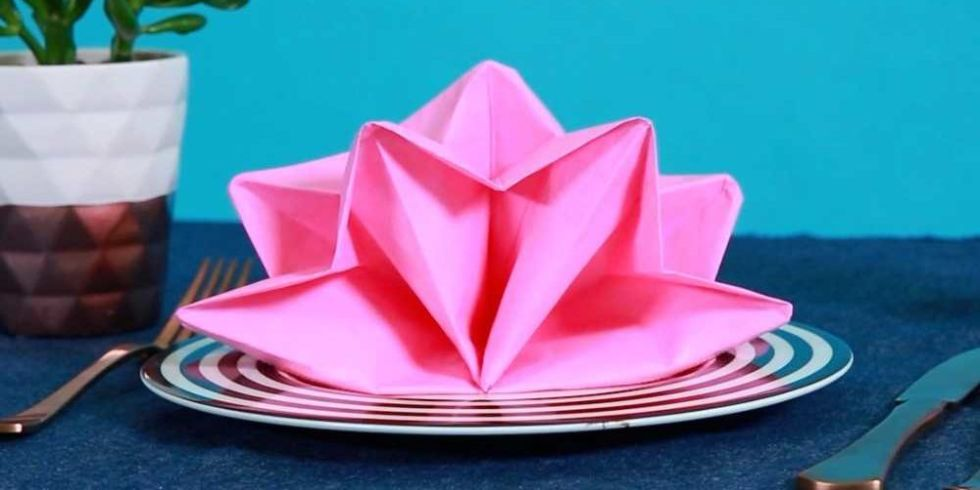 9 Best Napkin Folding Ideas - How to Fold Fancy Napkins Videos