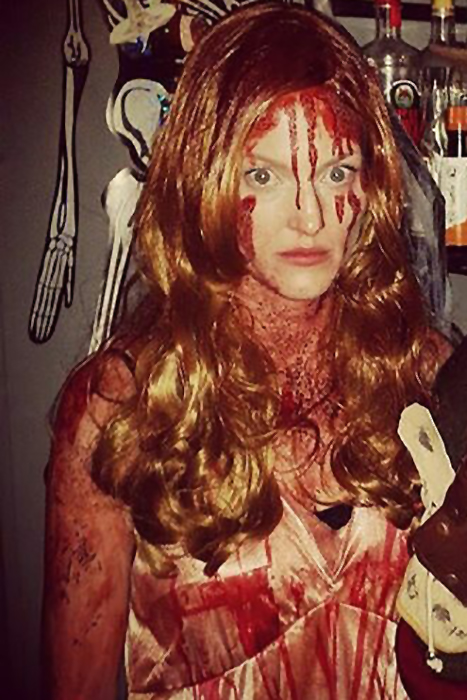 23 Scary Halloween Costume Ideas That Will Seriously Spook ...