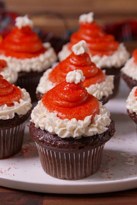 28 adorable cupcakes to bake for christmas recipes for for Some good christmas treats to make