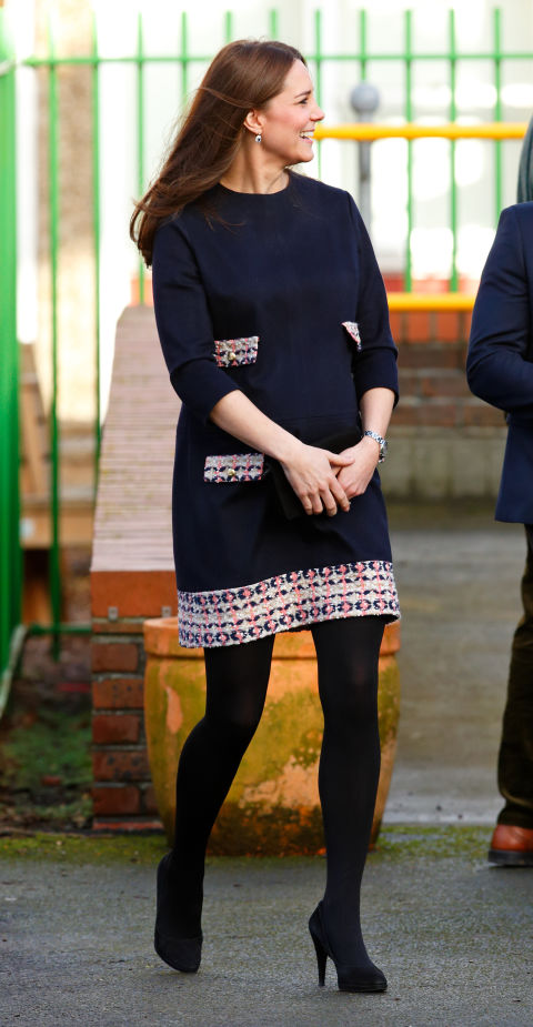 January 15, 2015&amp;nbsp;&mdash;&amp;nbsp;&amp;nbsp;The Duchess tried on a black shift dress to officially name the Clore Art Room at Barlby Primary School&amp;nbsp;in London, England.&amp;nbsp;