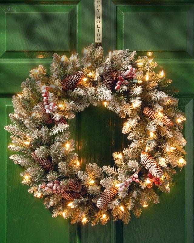 67 DIY Christmas Wreaths How To Make A Holiday Wreath Craft - Christmas Wreath Lights