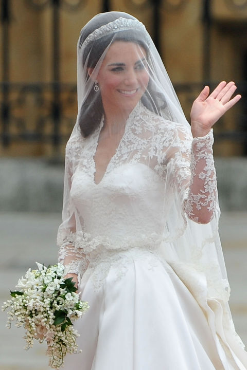 10 things you didn 39 t know about kate middleton 39 s wedding for Kate middleton wedding dress where to buy
