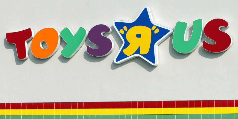 Toys R Us Files for Chapter 11 Bankruptcy - Toys R Us Store Closings