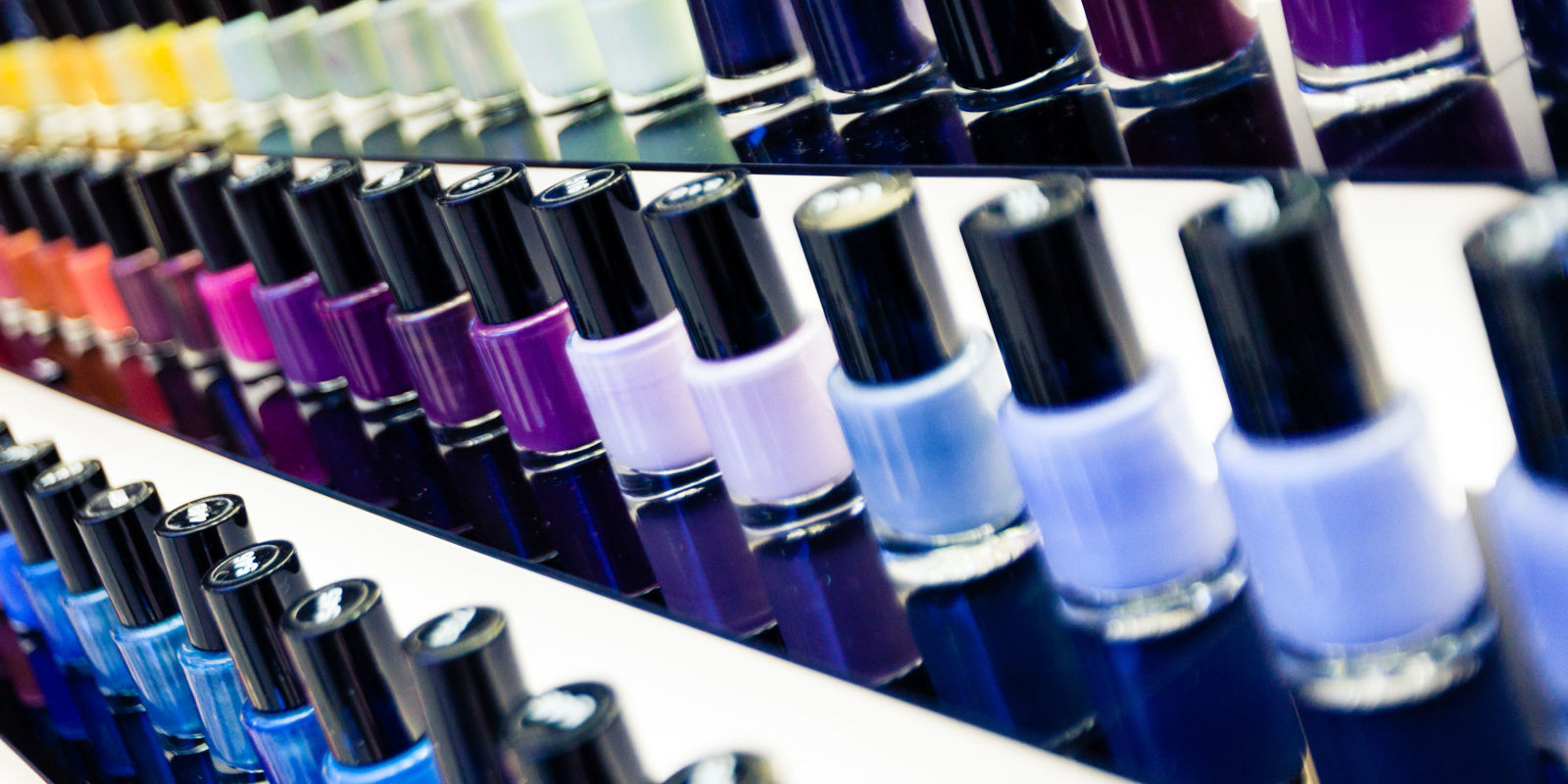 Nail Salon Etiquette 101 Manners And Tipping For