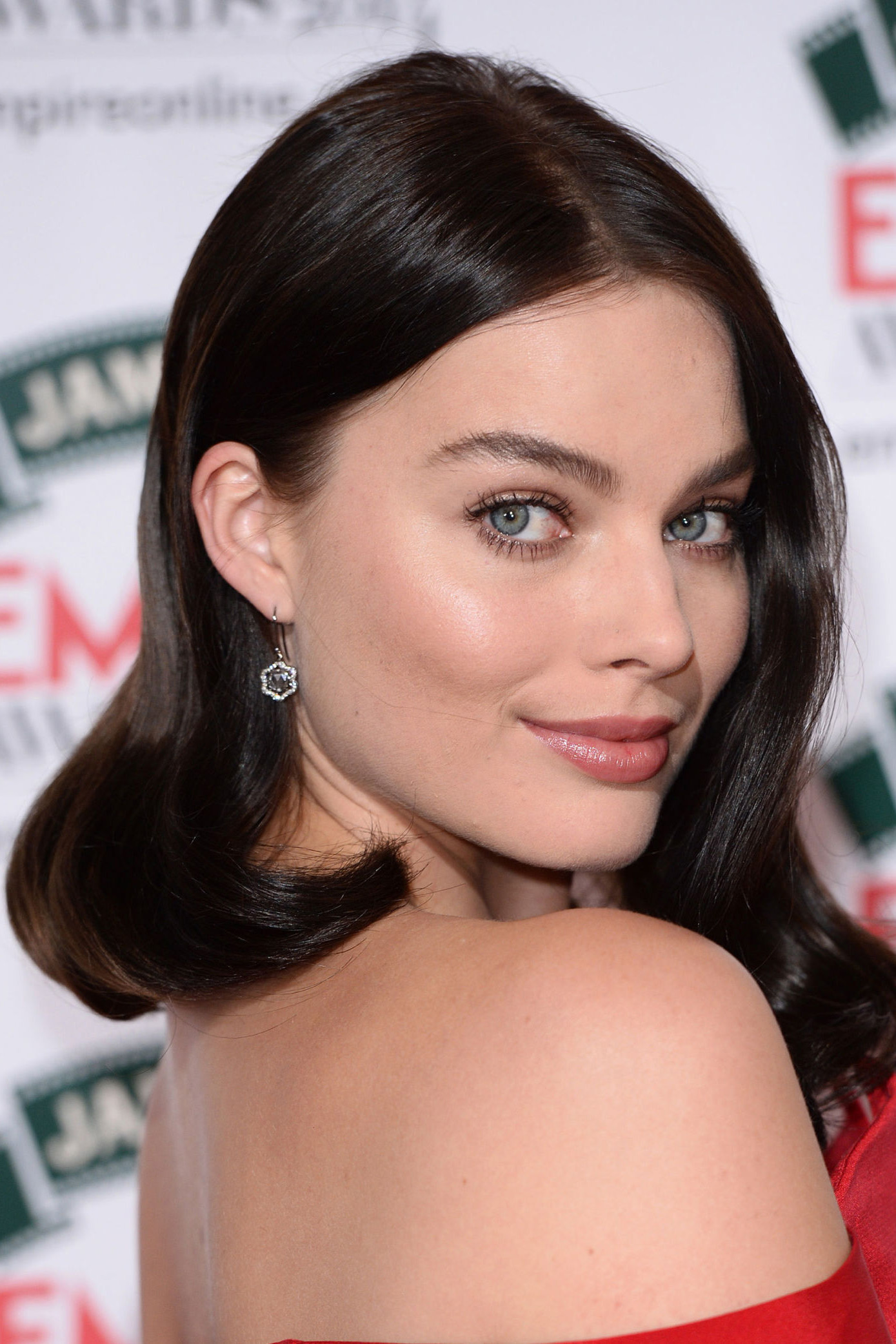 Best Guest Hairstyles For Every Kind Of Wedding Easy Wedding - Hairstyle for short hair wedding guest