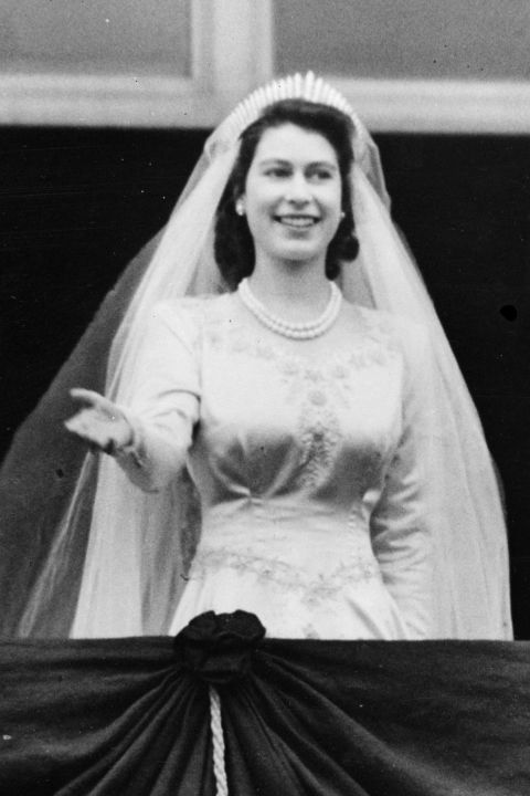 10 hidden details you didn 39 t know about queen elizabeth 39 s for Queens wedding balcony