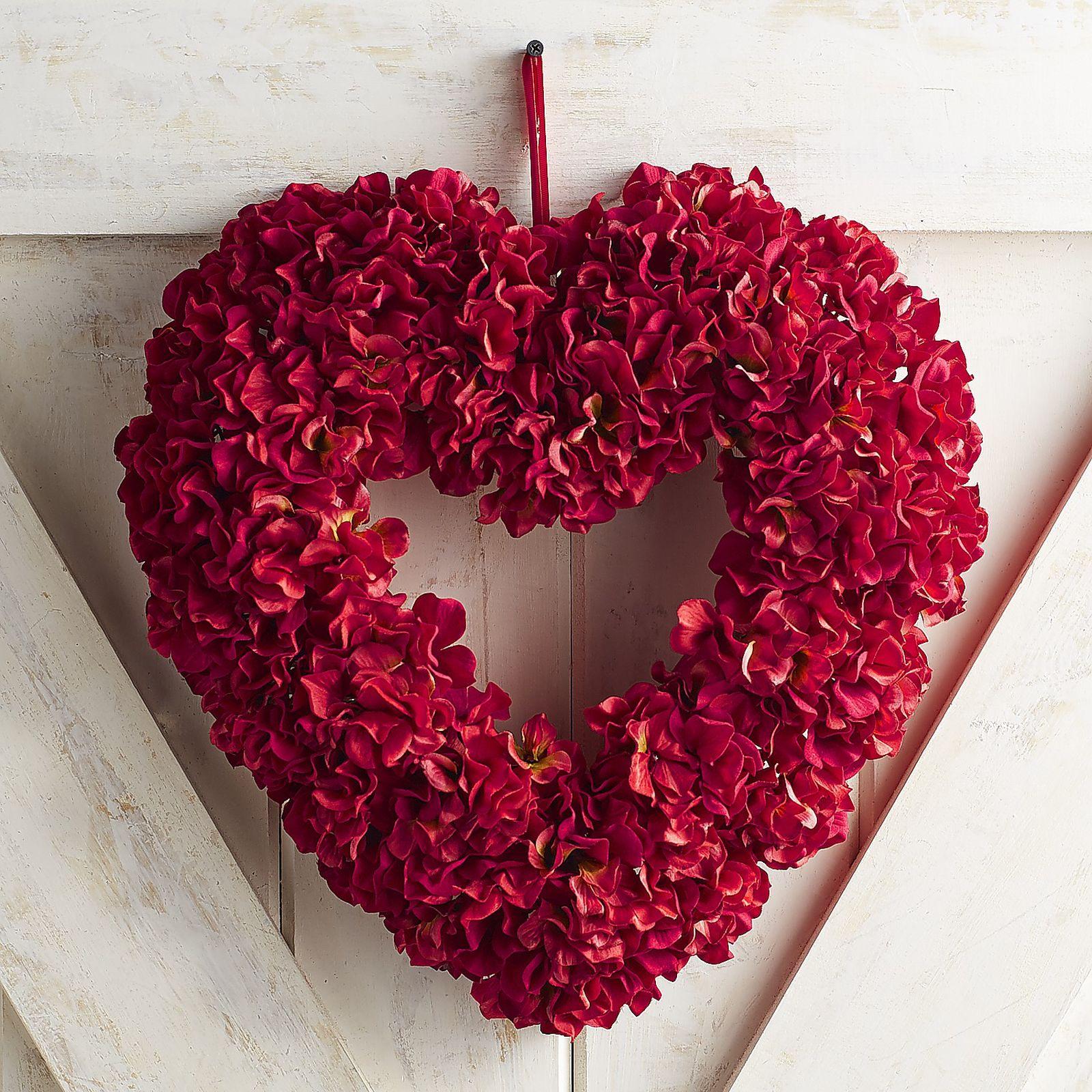 30 Diy Valentine S Day Wreaths Homemade Door Decorations