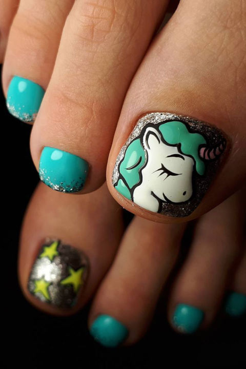 The most amazing element of this pro-level pedicure — in addition to the glittery ombre and amazing stars — is the picture perfect cartoon-styleunicorndesign with slightly raised details for more dimension. See more on Instagram »