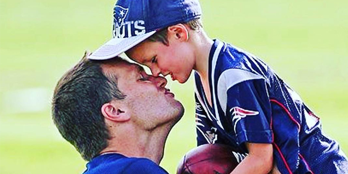 http://ghk.h-cdn.co/assets/18/05/1517503446-tom-brady-kissing-son-on-lips.jpg