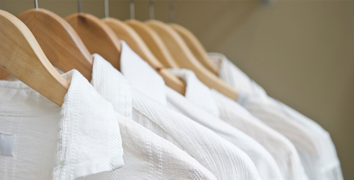 How to wash white clothes best way to bleach clothing for Can you bleach white shirts with logos