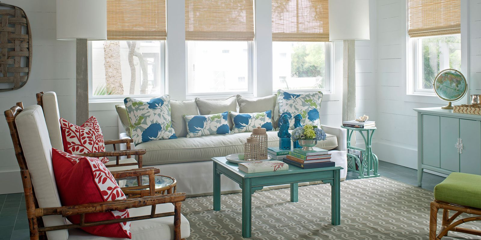 Http Www Goodhousekeeping Com Home Decorating Ideas Colorful Rooms Kelly Green Living Room