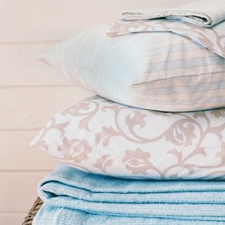 The Essential Guide to Buying Bed Pillows