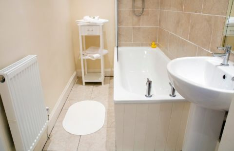 Best paint colors for beige tiled bathroom how to paint for Good housekeeping bathroom designs