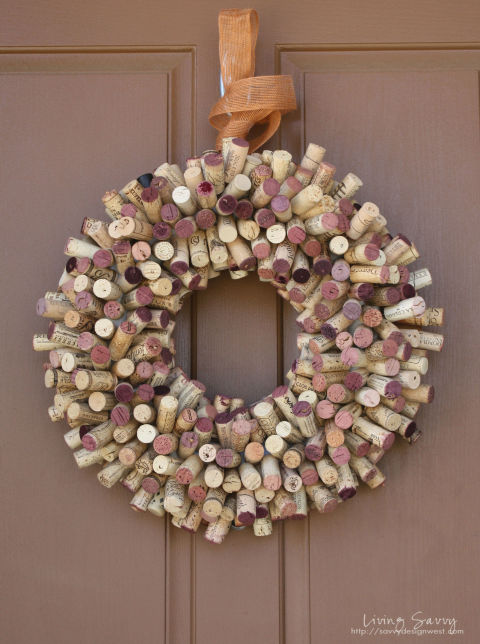 Wine cork crafts diy projects for leftover wine corks for Crafts to make with wine corks