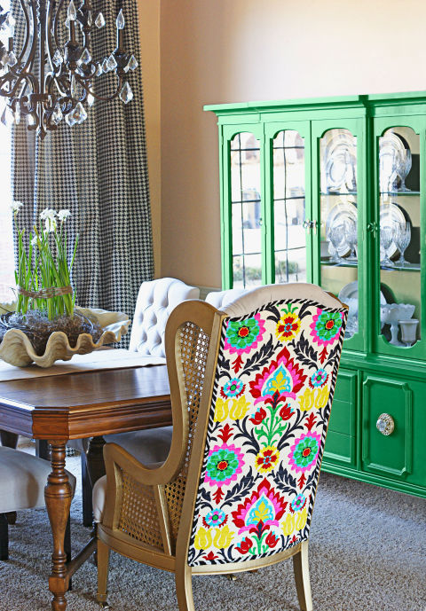 Bold decorating style decorating tricks and ideas for Quirky dining room ideas