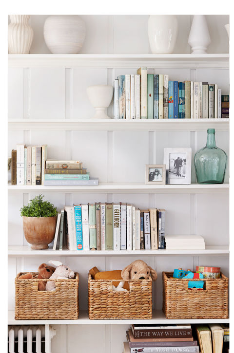 shelf life even ardent book keepers can learn to declutter with these streamlining strategies - Decluttering House