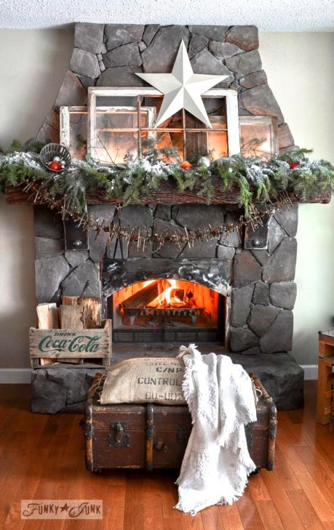 christmas mantel ideas how to style a holiday mantel. Black Bedroom Furniture Sets. Home Design Ideas