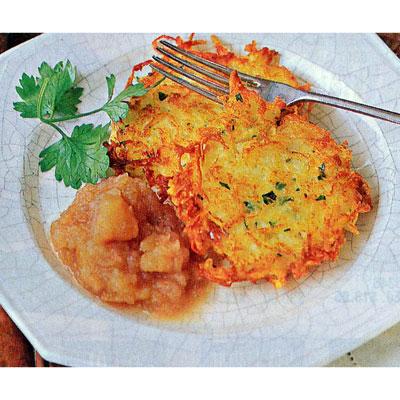 bubbe s potato latkes with homemade applesauce