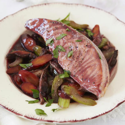 Red wine poached salmon recipe for Poaching fish in wine