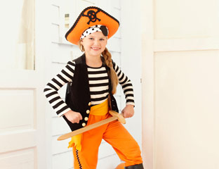 pirate costume - Quick And Easy Homemade Halloween Costumes For Kids