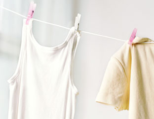 How to remove underarm stains remove yellow underarm stains for How to remove white armpit stains from dark shirts
