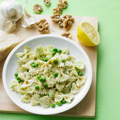 Pasta with Walnut Pesto and Peas Recipe