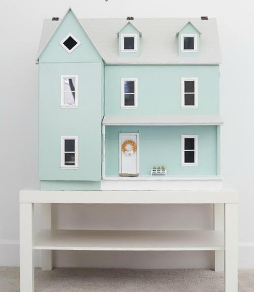 Dollhouse tour dollhouse decorating ideas for Dolls house exterior decoration