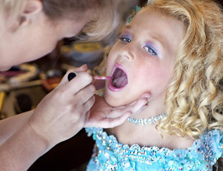 psychological effects of beauty pageants