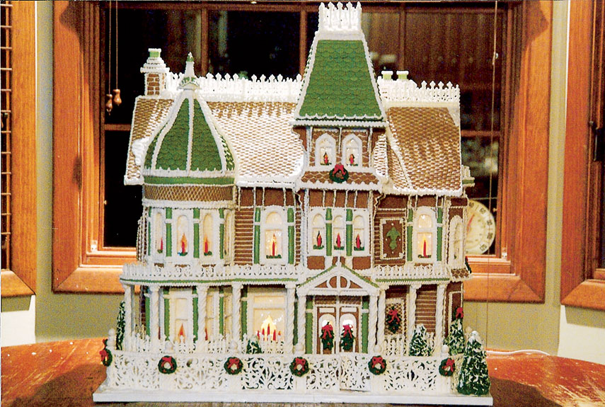 34 Amazing Gingerbread Houses - Pictures of Gingerbread House Designs