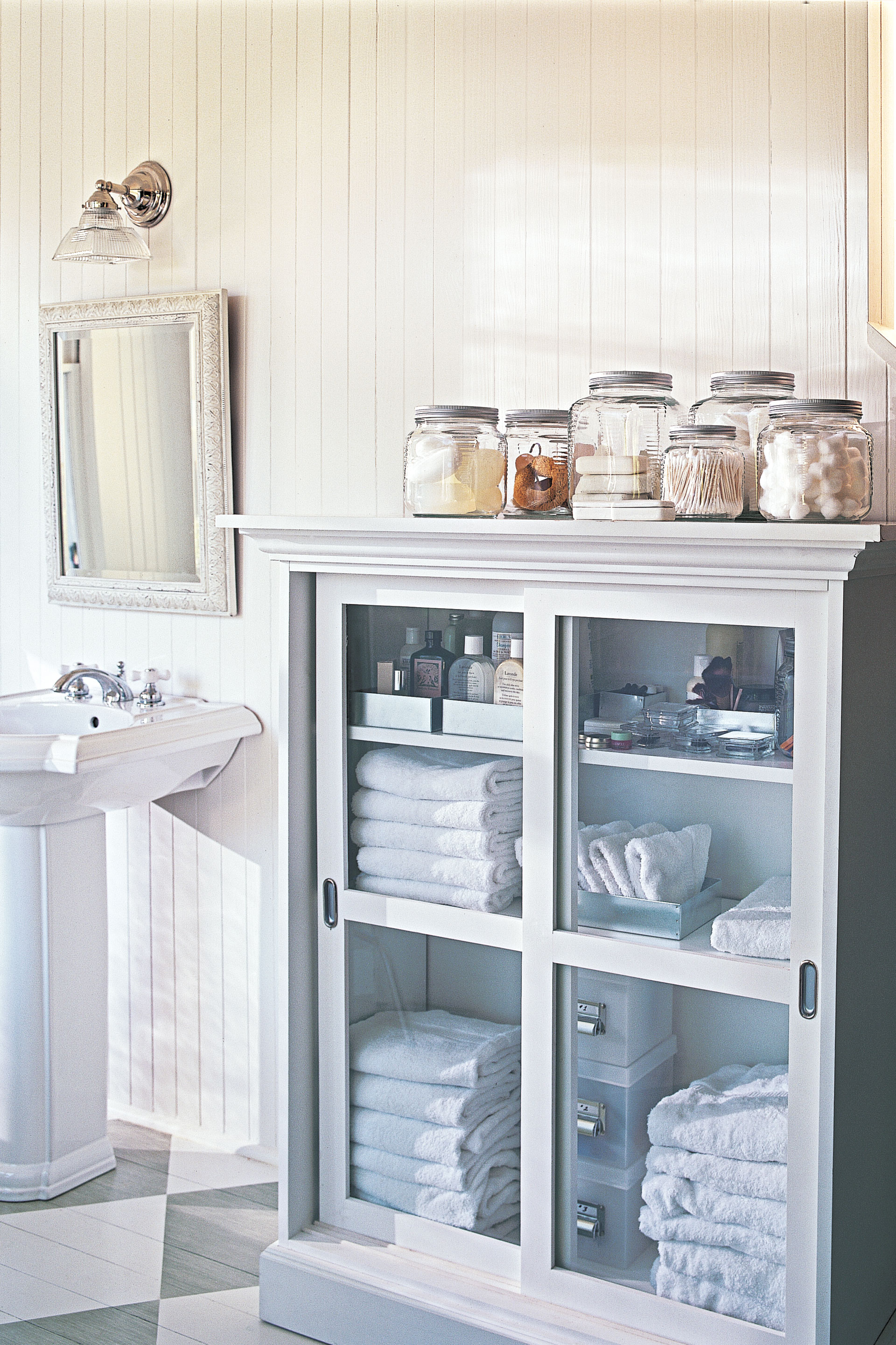 17 bathroom organization ideas best bathroom organizers to try - Small Bathroom Cabinets Storage