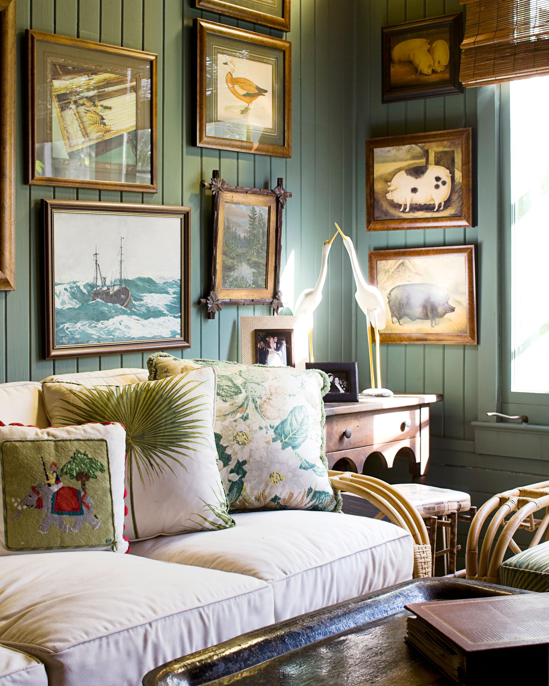 How To Hang Wall Art how to hang wall art - how to decorate with art