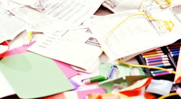 http://ghk.h-cdn.co/assets/cm/15/11/54ff2109d9a15-paper-clutter-man-de.jpg