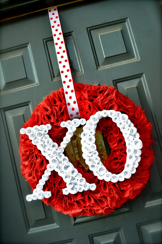 valentine wreaths for your front door25 DIY Valentines Day Wreaths  Homemade Door Decorations for
