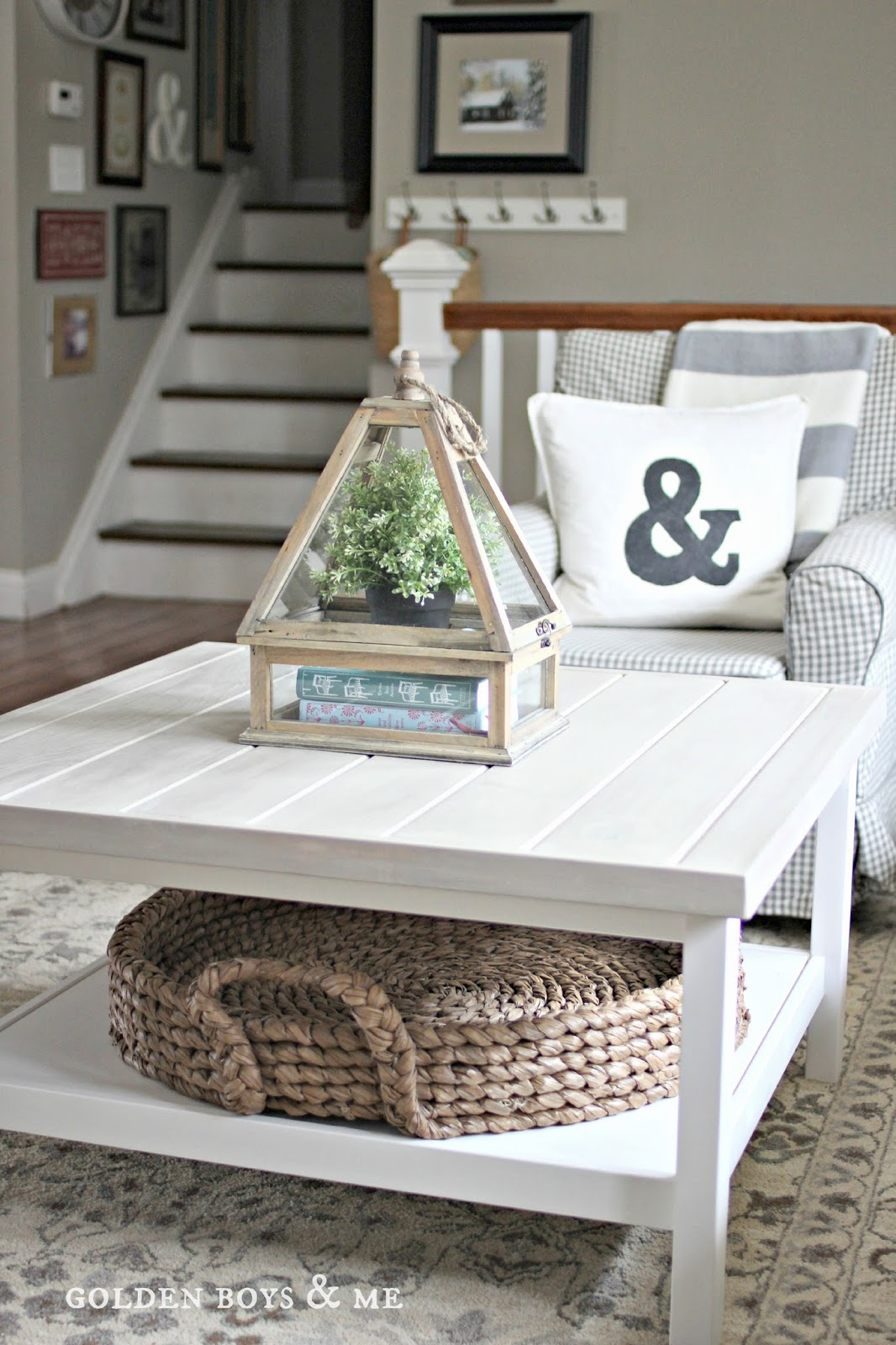 Wood Coffee Table Decor Ideas