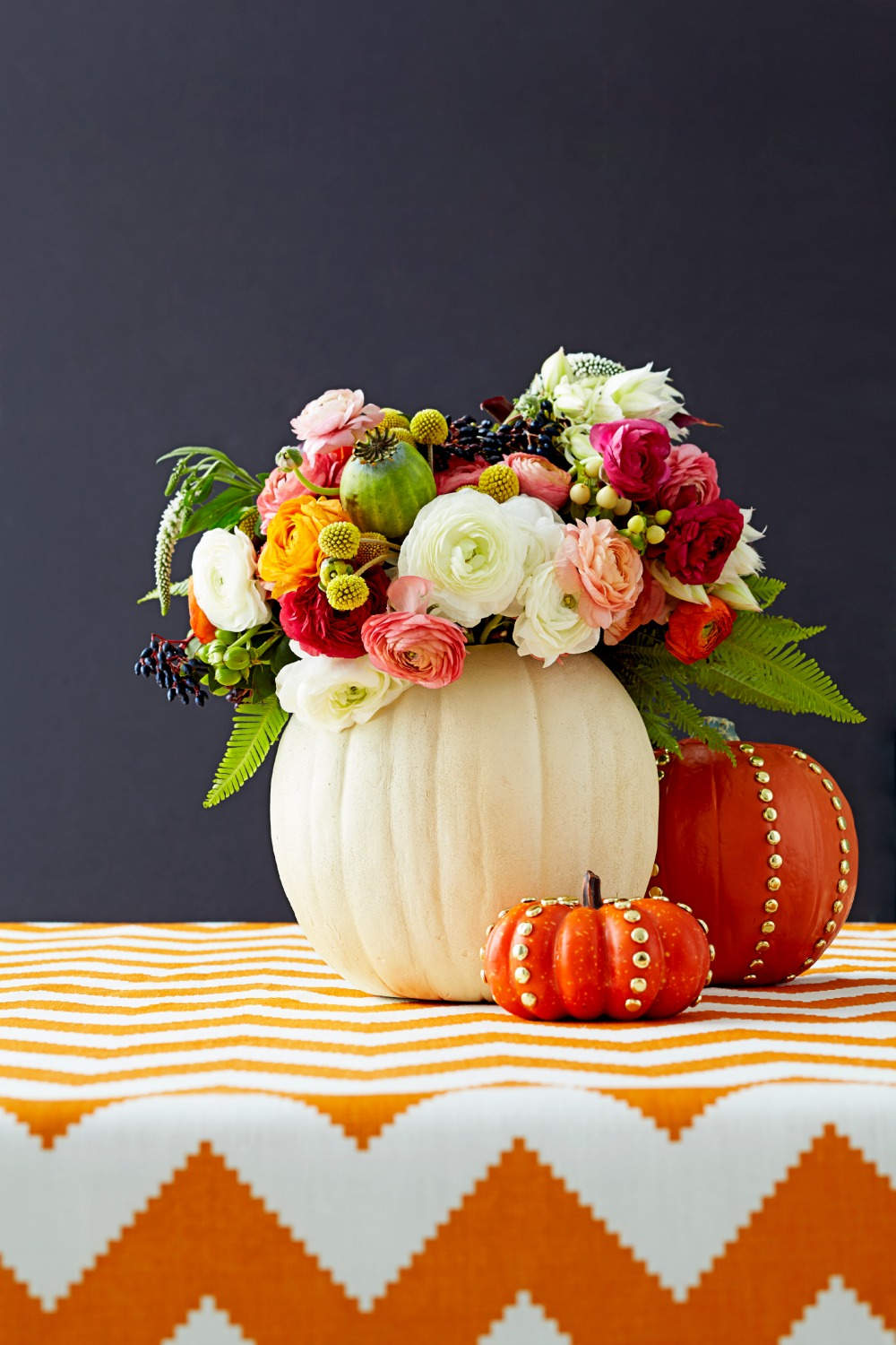 27 easy thanksgiving centerpieces for your holiday table - diy