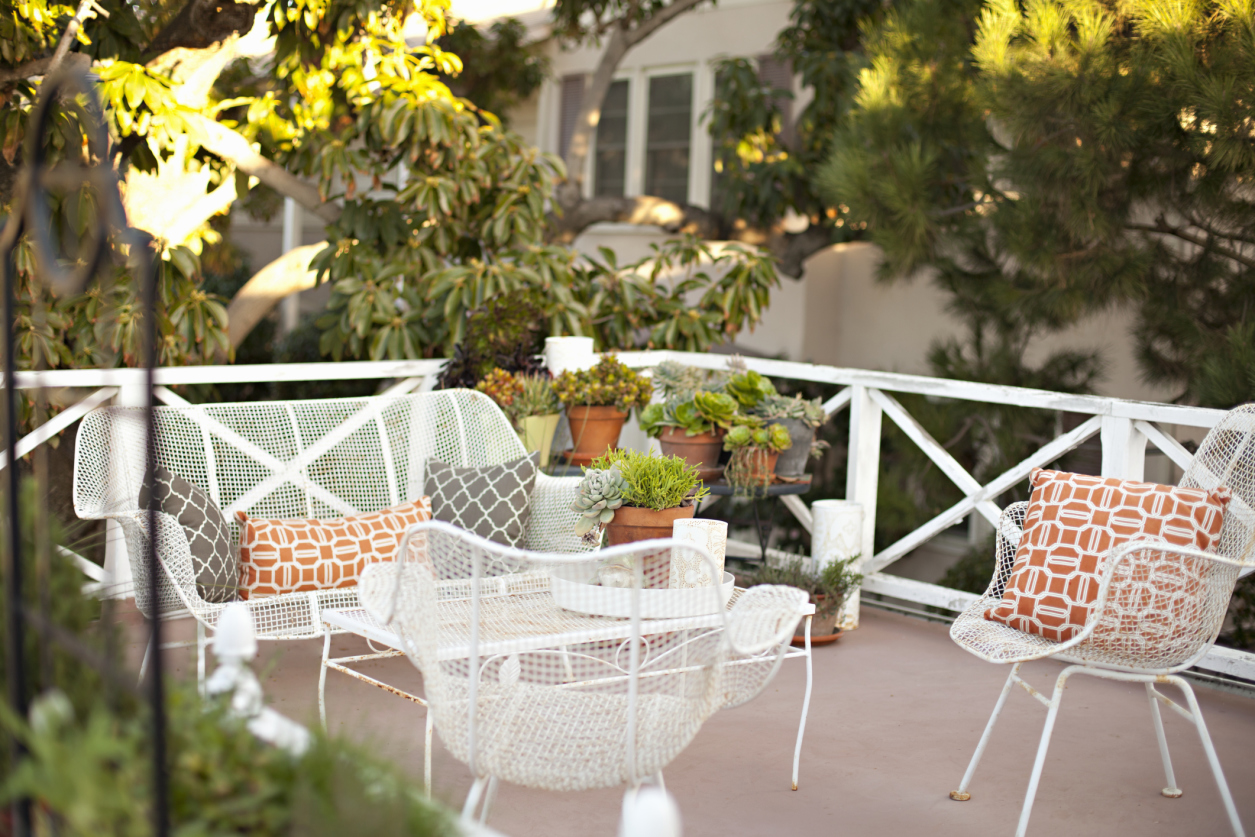decorating your outdoor space cozy patio style ideas