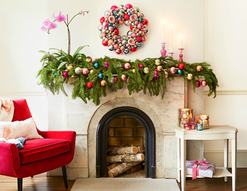 Holiday Mantel Decor Ideas Christmas Mantel Decorations - Mantel christmas decorating ideas