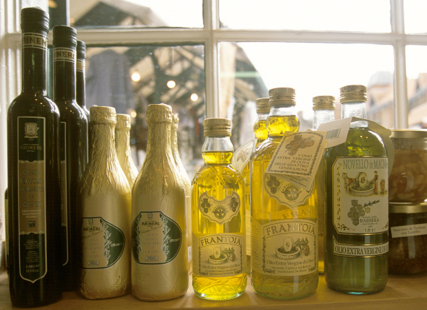 Halloween kitchen decorating ideas - Tips For Buying Olive Oil Surprising Facts About Buying Olive Oil