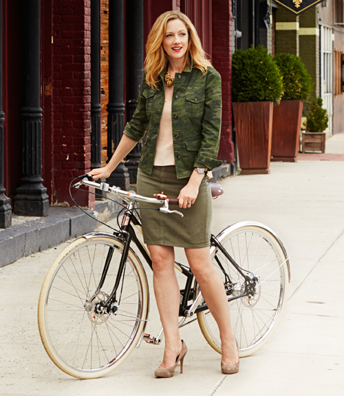 Fall Fashion Trends - Judy Greer Models a Week of Outfits for Fall