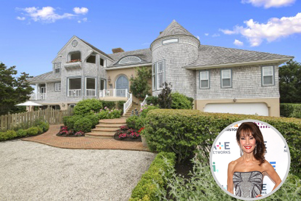 Go inside susan lucci 39 s beach house celebrity home tours for Hamptons house for sale