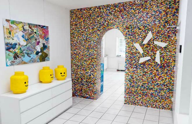 Diy lego wall unusual home design - Home decorating ideas clever and wacky solutions ...