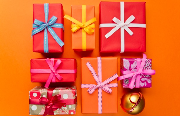 Christmas gift mistakes gift giving etiquette no one wants to open a gift wrapped faux pas this holiday season negle Images