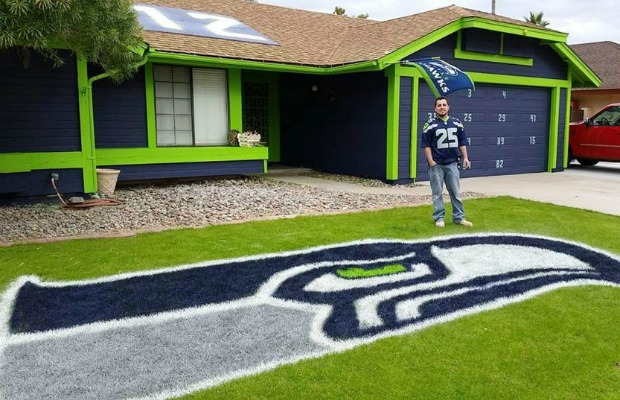 Man Painted House for Super Bowl - Seattle Seahawks Biggest Fans