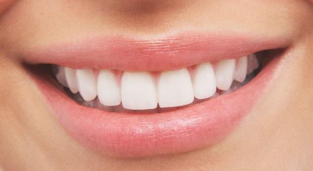 http://ghk.h-cdn.co/assets/cm/15/11/54ffdccd126d6-white-teeth-orig-master-1.jpg
